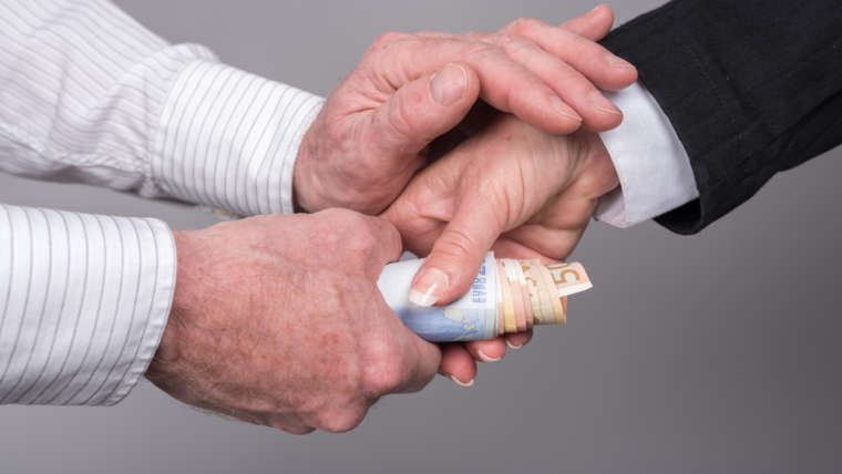 The Requirements From Foreigners Who Desires To Access The Loans