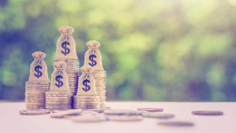 Comparison: Finding the Best Licensed Money Lender for Your Loan